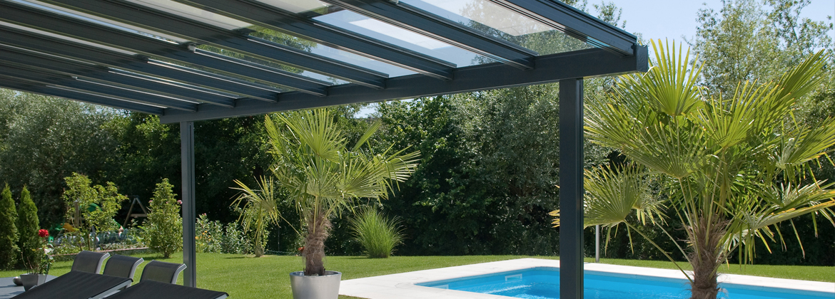 pergola verre pour terrasse design contemporaine pergola de jardin design. Black Bedroom Furniture Sets. Home Design Ideas