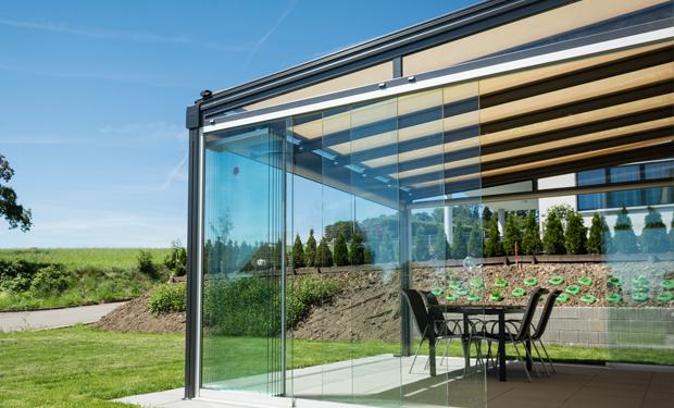 vitre pour balcon vitre pour terrasse installation suisse romande storiste. Black Bedroom Furniture Sets. Home Design Ideas