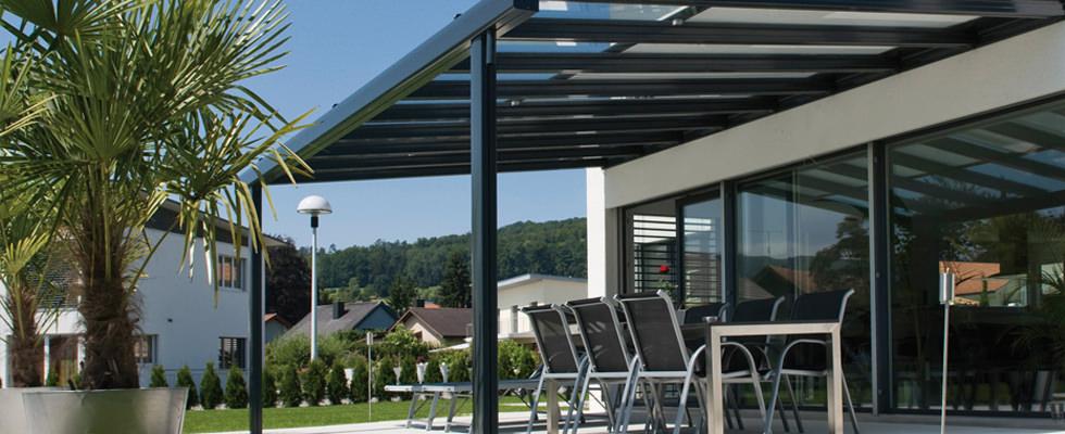 ombres lumi res stores sur mesure pergolas design parasols haut de gamme suisse romande. Black Bedroom Furniture Sets. Home Design Ideas